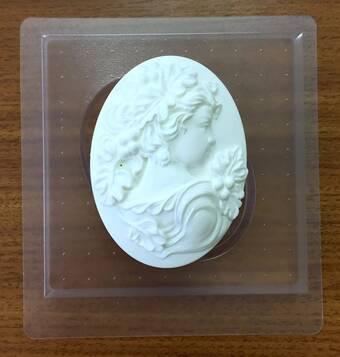 """Пластиковая форма для мыла """"Камея дама с виноградной лозой"""" - Для моделирования"""